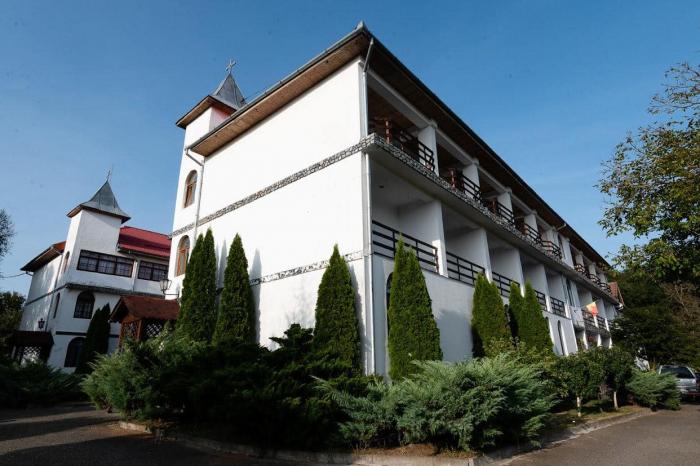 Casa De Bătrâni Sfânta Treime